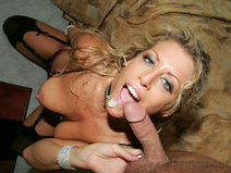 Chelsea Zinn's Throat Gets Fucked By Her Master